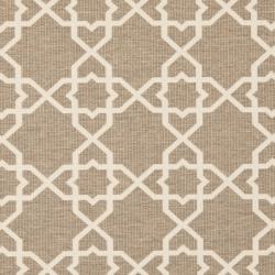 Safavieh Courtyard Geometric Trellis Brown/ Beige Indoor/ Outdoor Rug (6'7 Square) - Thumbnail 2