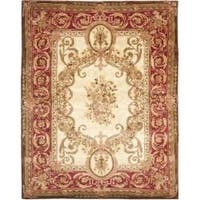 Safavieh Handmade Aubusson Maisse Light Gold/ Red Wool Rug - 6' x 9'