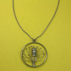 Handcrafted Antiqued Silver Vigilant Owl Links Necklace ( India)