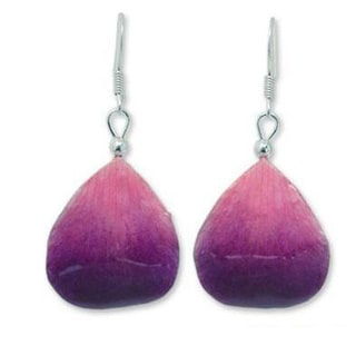 Handmade Natural Orchid Petal 'Chiang Mai Kiss' Earrings (Thailand)