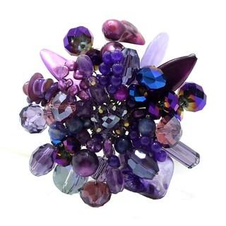 Handmade Purple Blossoming Lotus Amethyst Stone Floral Pin/Brooch (Thailand) https://ak1.ostkcdn.com/images/products/6608868/6608868/Purple-Blossoming-Lotus-Amethyst-Stone-Floral-Pin-Brooch-Thailand-P14178353.jpg?_ostk_perf_=percv&impolicy=medium