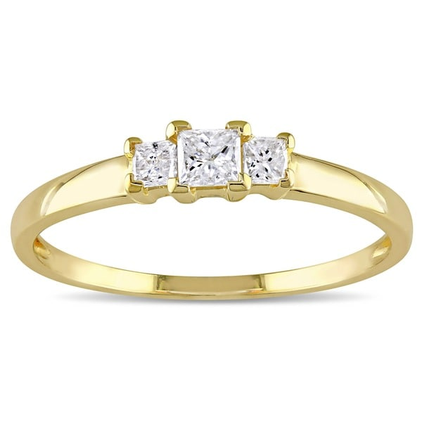 Miadora 10k Yellow Gold 1/4ct TDW Princess Diamond Traditional 3-stone Ring