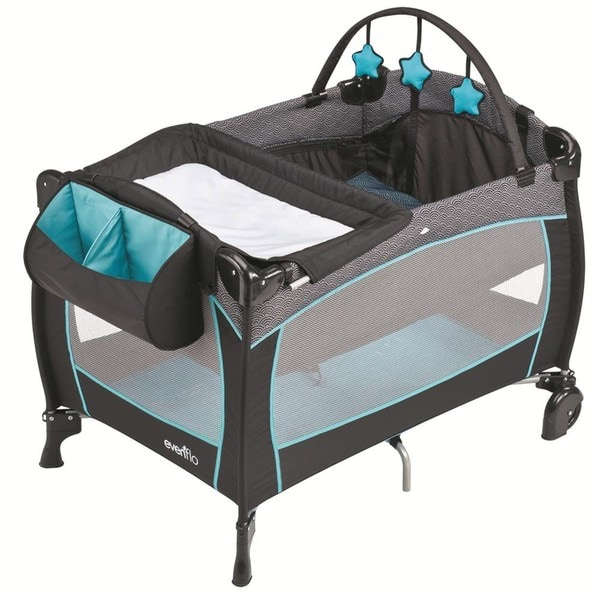 Evenflo Babysuite 300 Portable Playard in Koi