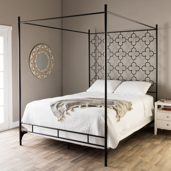 Quatrafoil Queen Canopy Bed