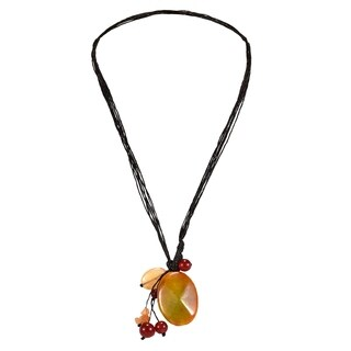 Handmade Teardrop Agate Pendant Necklace (Thailand)