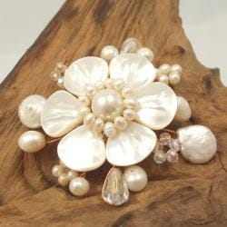 Handmade Mother of Pearl Floral Ray Pin (Thailand)