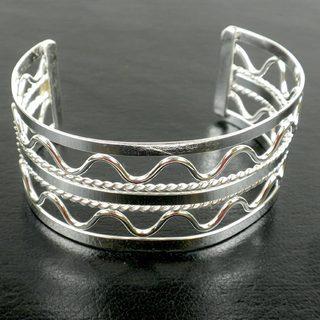 Handmade 'Waves' Silver Overlay Cuff (Mexico)