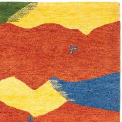 Safavieh Hand-knotted Gabeh Valleys Rust Wool Rug (6' x 9') - Thumbnail 1