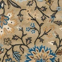 Safavieh Handmade Botanical Gardens Green Wool Rug (5' x 8')