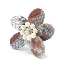 Gray Mother of Pearl Flower Ring (Thailand)