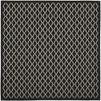 "Safavieh Poolside Black/Beige Indoor/Outdoor Polypropylene Rug (6'7"" Square) - 6'7 Square"