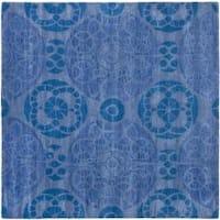 Safavieh Handmade Chatham Treasures Blue New Zealand Wool Rug (7' Square) - 7' x 7'