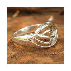 Handmade Sterling Silver 'Shining Grace' Cocktail Ring (Thailand)