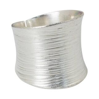 Handmade Sterling Silver Whispering Snow Brush Satin Finish Band Ring (Thailand)