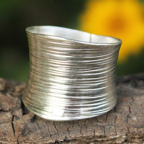 Handmade Sterling Silver Whispering Snow Brush Satin Finish Band Ring (Thailand)