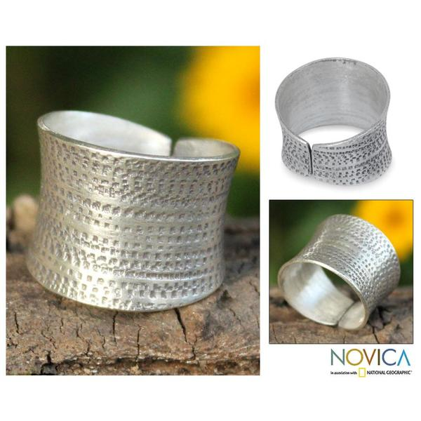 Handmade Sterling Silver 'Autumn Breath' Band Ring (Thailand)