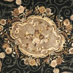 Safavieh Handmade French Aubusson Black Premium Wool Rug (8' Round) - Thumbnail 2
