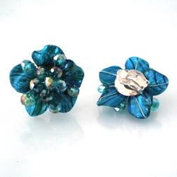 Handmade Blue Zebra Painted Mother of Pearl Floral Clip On Earrings (Thailand)