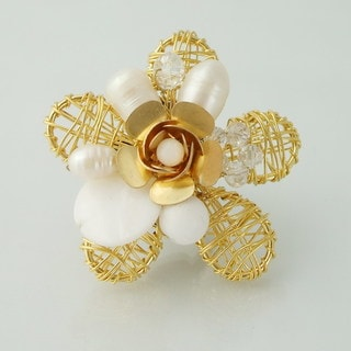 Handmade Brass Wire Works Blossoming Rose White Mother of Pearl Free-Size Ring (Thailand)