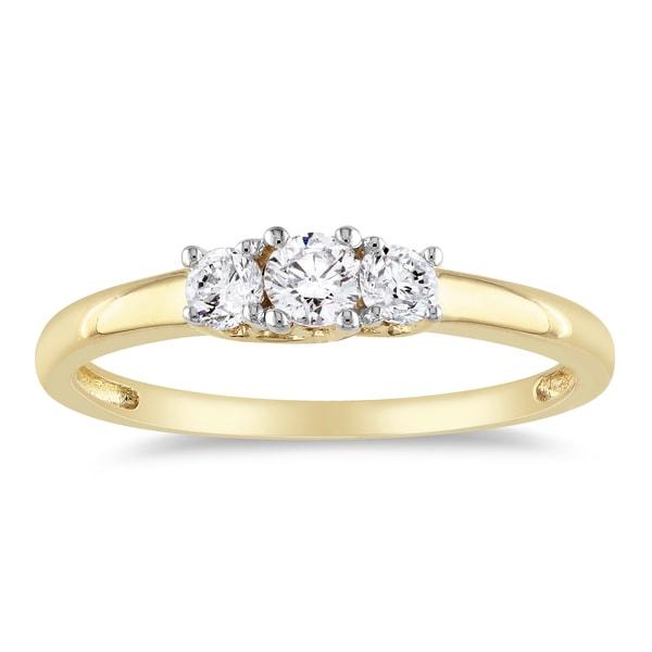 Miadora 14k Yellow Gold 1/4ct TDW 3-Stone Diamond Ring (G-H, SI1-SI2)
