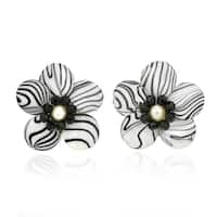Handmade Sweet Daisy White Zebra Painted Mother of Pearl Earrings (Thailand)