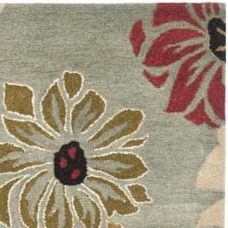 Safavieh Handmade Chatham Garden Blue New Zealand Wool Rug (2'6 x 8')