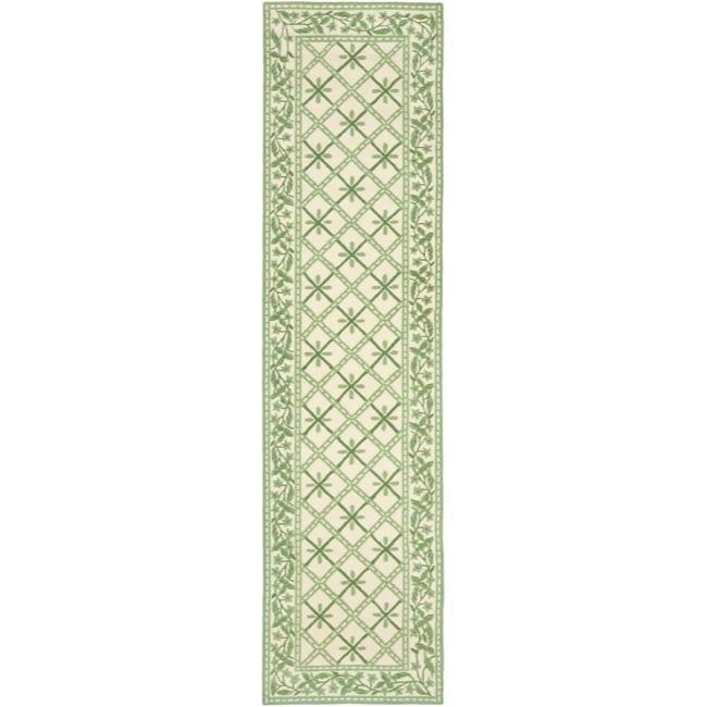 Safavieh Hand-hooked Diamonds Ivory/ Light Green Wool Rug (2'6 x 10')