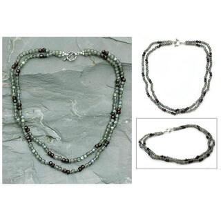 Handmade Sterling Silver 'India Dusk' Labradorite and Garnet Necklace (India)