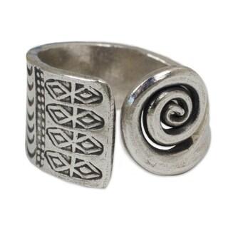 Handmade Sterling Silver 'Thai Sunbeams' Wrap Ring (Thailand)