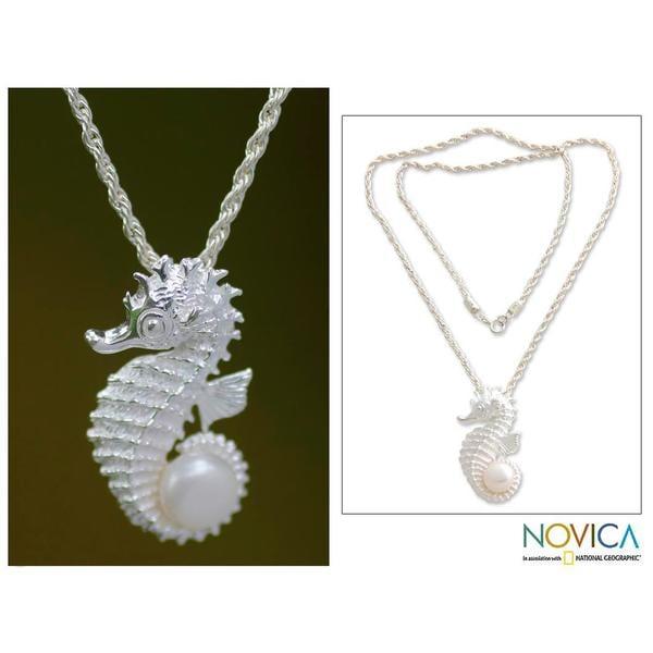Handmade Silver 'Sea Horse Treasure' Pearl Necklace (10 mm) (Indonesia)