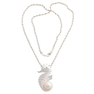 Handmade Silver 'Sea Horse Treasure' Pearl Necklace (10 mm) (Indonesia)