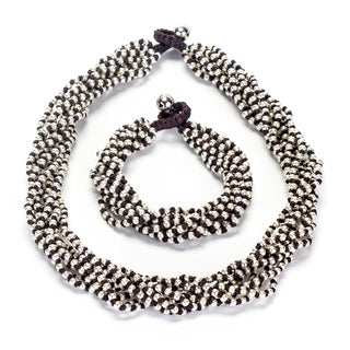 Thai-handicraft Silvertone Bead Cluster Necklace and Bracelet Set (Thailand)