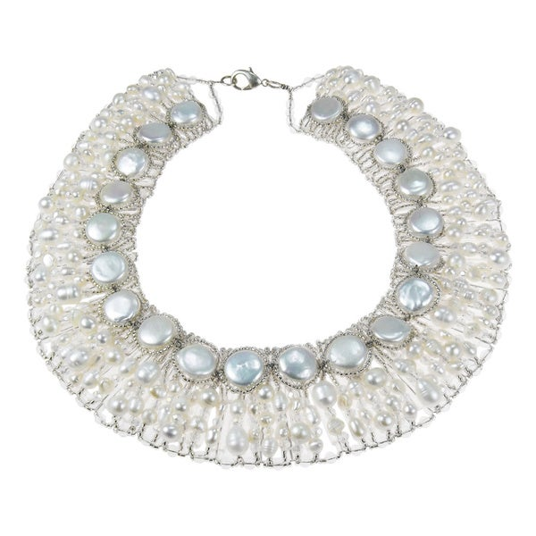 Handmade Pristine White Coin Freshwater Pearl Collar Necklace (Thailand)