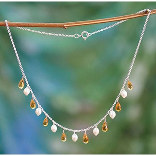 Handmade Sterling Silver 'Mumbai Sun' Citrine and Pearl Necklace (6 mm) (India)