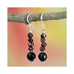 Sterling Silver 'Night of Passion' Garnet and Onyx Earrings (India)