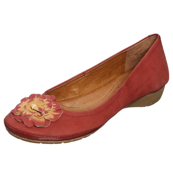Naya Women's 'Rustica' Venom Leather Flats
