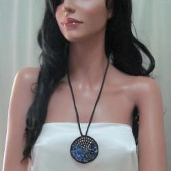 Handmade Nature's Medallion Blue Sodalite-Crystal-Glass Trio Necklace (Thailand) - Thumbnail 2