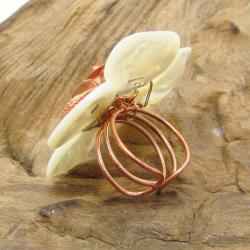 Handmade Flourishing Copper Rose Mother of Pearl Free Size Ring (Thailand) - Thumbnail 1