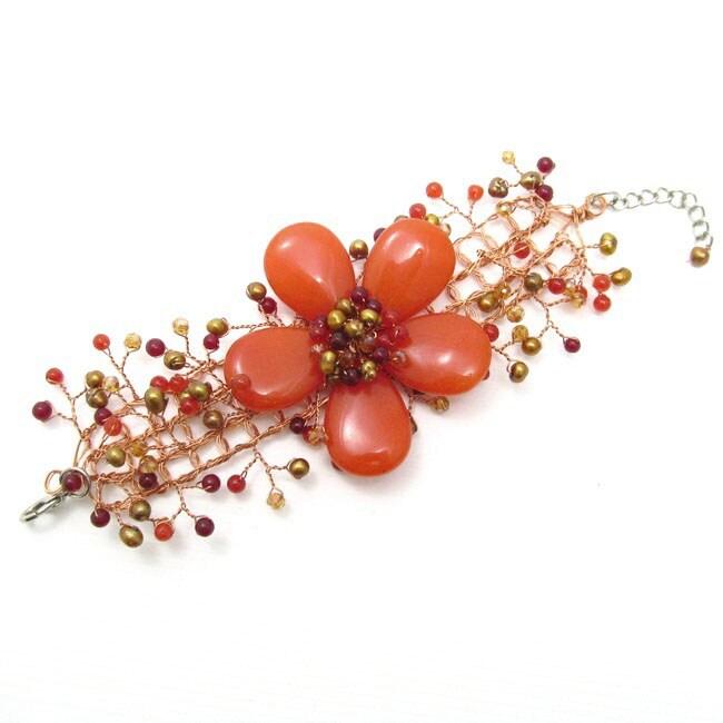 Handmade Floral Secrets Orange Daisy Garland Agate Net Bracelet (Thailand)