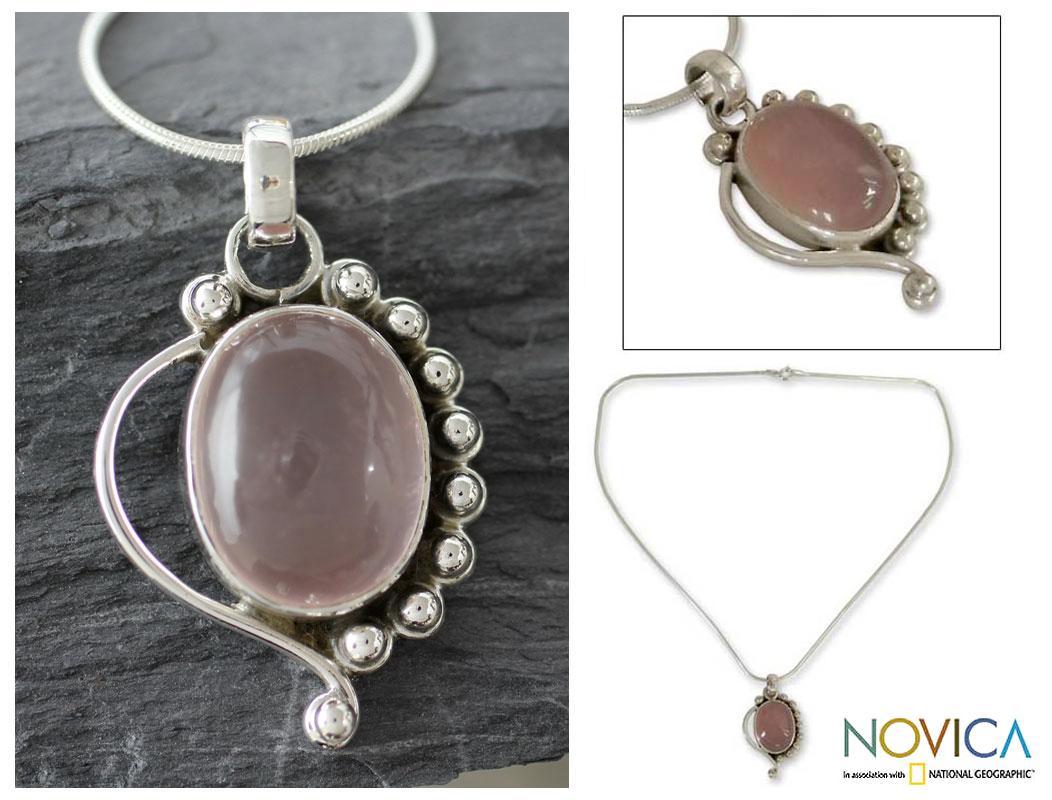 Handmade Sterling Silver 'Delhi Romance' Rose Quartz Necklace (India)