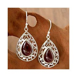 Handmade Sterling Silver Vivid Scarlet Red Garnet Hook Earrings (India)