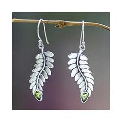 Handmade Sterling Silver 'Sweet Leaf' Peridot Dangle Earrings (Indonesia)