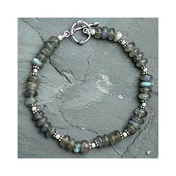 Sterling Silver 'Indian Rainbow' Labradorite Bracelet (India)