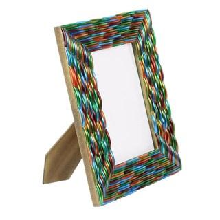 Handmade Glass 'Bangalore Bangles' Photo Frame (India)|https://ak1.ostkcdn.com/images/products/6676760/Handcrafted-Glass-Bangalore-Bangles-Photo-Frame-India-P14233453.jpg?_ostk_perf_=percv&impolicy=medium