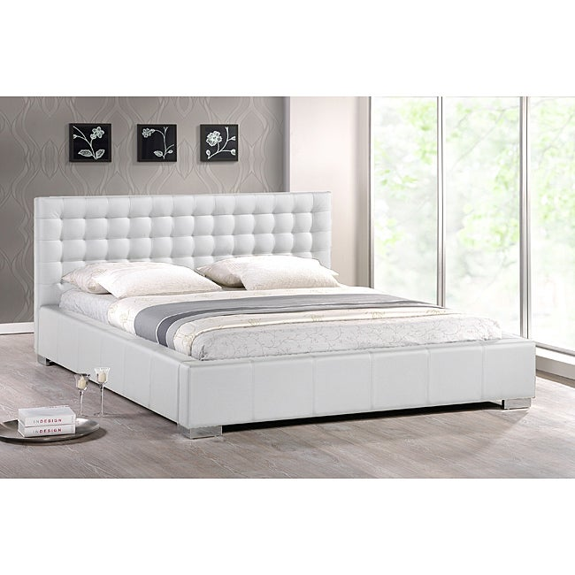 Madison White Modern Queen size Platform Bed 14233946