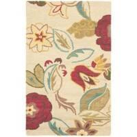 Safavieh Handmade Blossom Paisley Beige Wool Rug - 2'6' x 4'