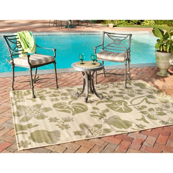 Safavieh Poolside Cream/ Green Indoor/ Outdoor Area Rug - 8' x 11'2