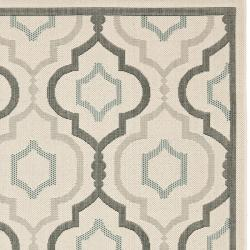Safavieh Poolside Beige/ Dark Beige Indoor Outdoor Polypropylene Rug (5'3 x 7'7)