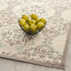 Safavieh Poolside Beige/Dark Beige Indoor/Outdoor Floral Rug (6'7 x 9'6) - Thumbnail 1