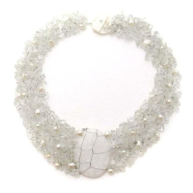 Aeravida Handmade Cluster Delight White Granite Pendant C...